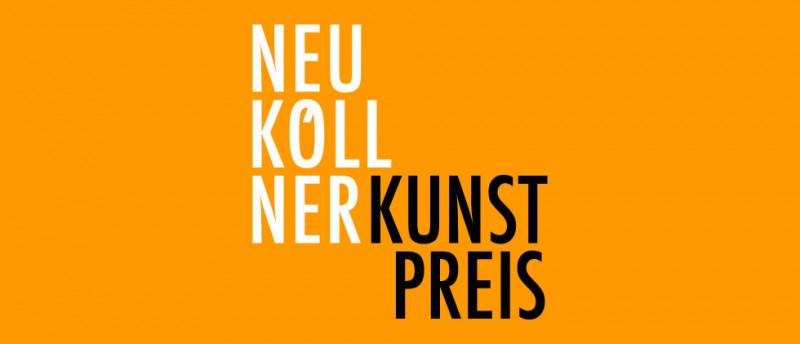 Der Schriftzug Neuköllner Kunstpreis vor orangem Grund